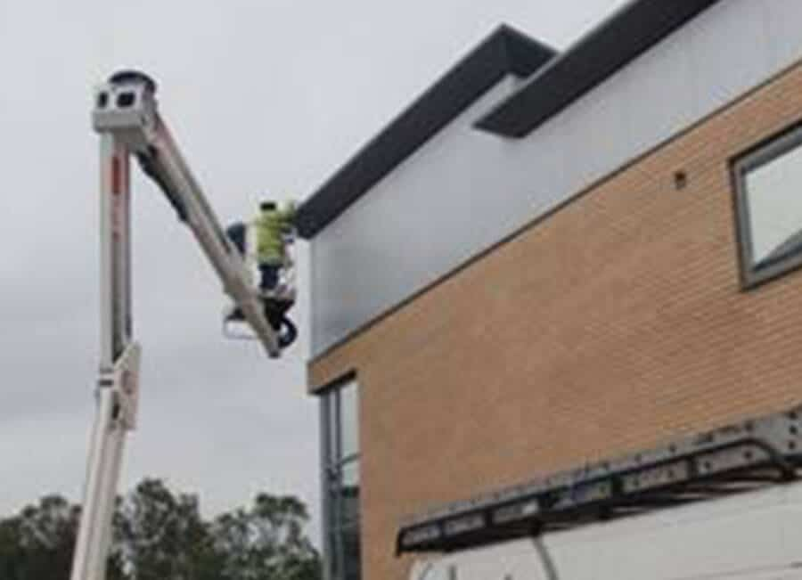 Commercial-Gutter-Clean-Leeds