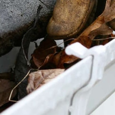 5 Simple Ways to Prevent Gutter Clogging