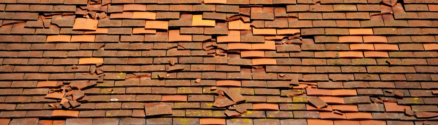 A-Complete-Guide-to-Leaking-Roof-Insurance-Claims